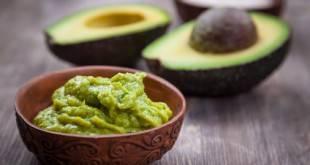 Avocado und Low Carb passen einfach toll: hier unser Rezept für Guacamole