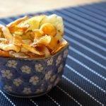 Sellerie Chips - ein knuspriger Low-Carb-Genuss