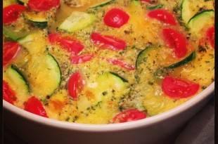 Eine leckere, kohlenhydratarme Zucchini-Quiche ohne Boden