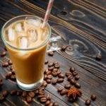 Low-Carb-Rezept für einen leckeren Frühstücks-Shake