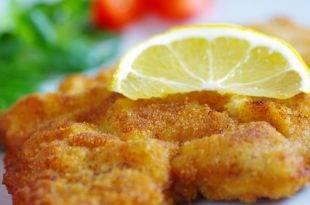 Leckeres Kalbsschnitzel auf Paprikacreme