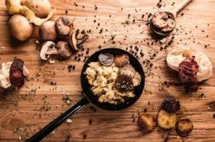 Ein raffiniertes Low-Carb-Rezept: Rührei auf asiatische Art