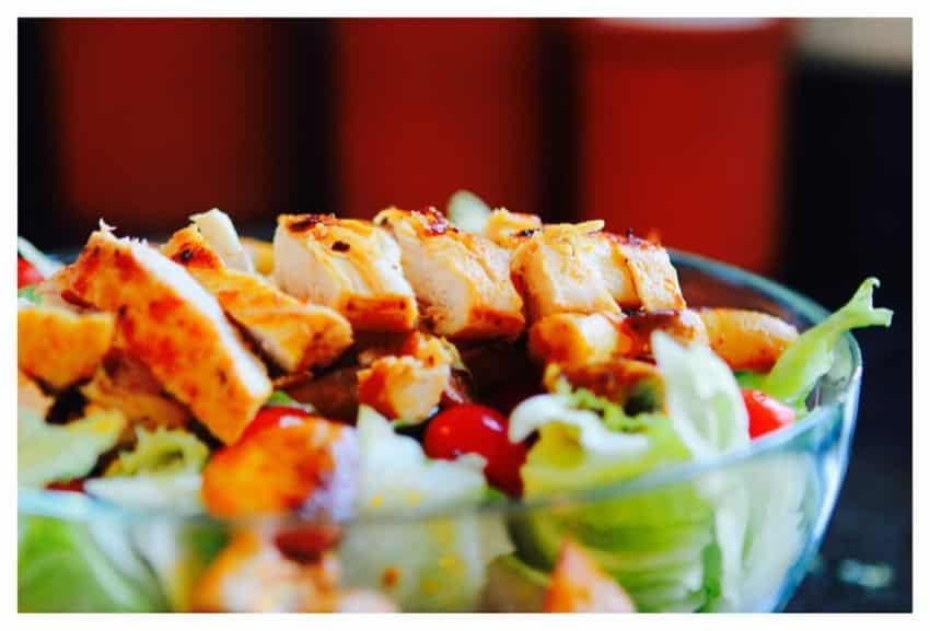 Salat mit Putenbruststreifen