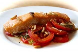 Einfach und Low Carb zugleich: unser Rezept für Tomaten-Seelachs