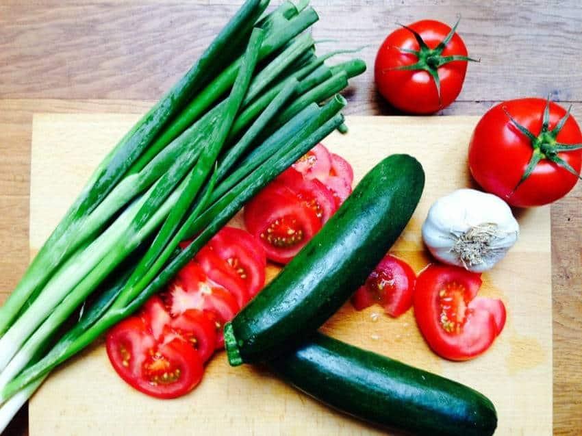 Zutaten für die Tomaten-Mozzarella-Steaks