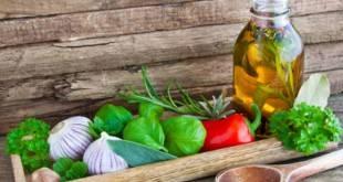 Salatdressings - unsere Rezept für zuckerfreie und kohlenhydratarme Salatsaucen