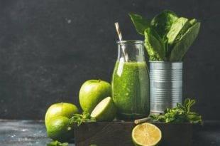 Einfach, Low Carb und lecker: der Apfel-Spinat-Smoothie