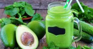 Ein Rezept für einen kohlenhydratarmen Green Smoothie