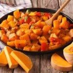 Low-Carb-Rezept für ein asiatisches Kürbis Curry