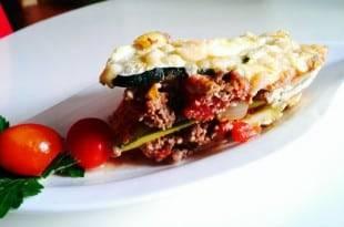 Leckere kohlenhydratarme Zucchini-Lasagne