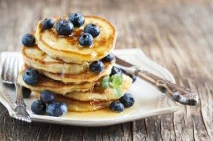Kohlenhydratarme, zuckerfreie Mini-Pancakes