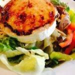 Low-Carb-Rezept für einen Salat mit Ziegenkäse