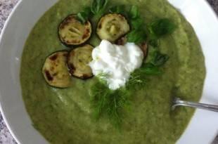 Zucchinisuppe: Eine herrlich cremige Low-Carb-Suppe