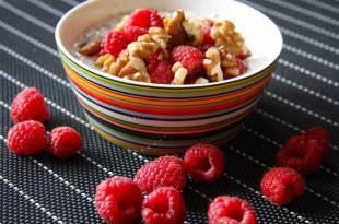 Rezept für Himbeermüsli - kohlenhydratarm und schnell zubereitet