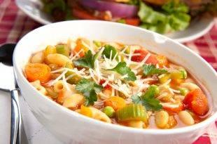 Ein leichter, kohlenhydratarmer Genuss: unsere Gemüsesuppe