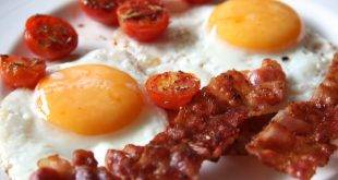 Bacon and Eggs - der perfekte Start in den Low-Carb-Tag