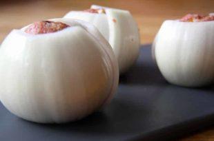 Unser Rezept für kohlenhydratarme Hackfleisch-Zwiebeln