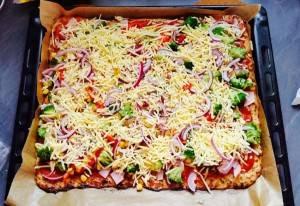Einfach ultimativ lecker, unser Rezept für eine Low-Carb-Pizza