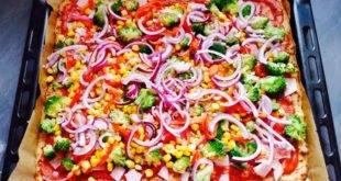 Unser Rezept für eine kohlenhydratarme Pizza - ein Low-Carb-Genuss