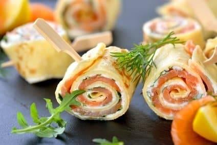 Leckere Lachs Omelette-Röllchen - herrlich Low Carb!