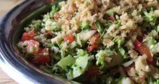 Low Carb Rezept für einen rohen Brokkolisalat